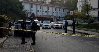 Şarkıcı Bulut Duman Kadıköy'de silahlı saldırıya uğradı