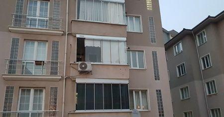 2. kattan düşen bebek ölümden döndü