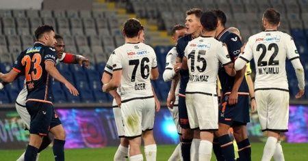Başakşehir-Denizlispor maçı sonrası gerginlik