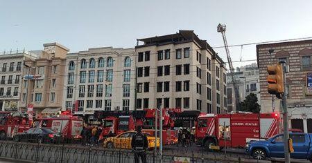 Beyazıt'ta inşaat halindeki otelde çıkan yangın paniğe yol açtı