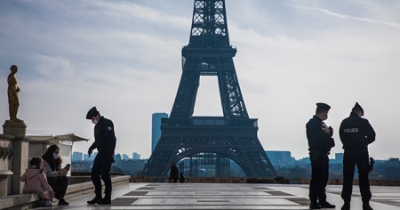 Fransa'da koronadan 24 saatte 213 ölüm