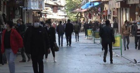 Gaziantep'te kısıtlama öncesi ve sonrasında zıt görüntüler