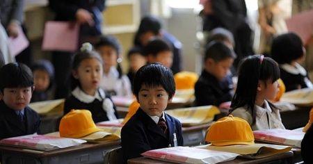Japonya'da Covid-19'a rağmen eğitime devam