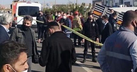 Mardin'de tır otobüs durağına daldı: 1 ölü, 1 yaralı