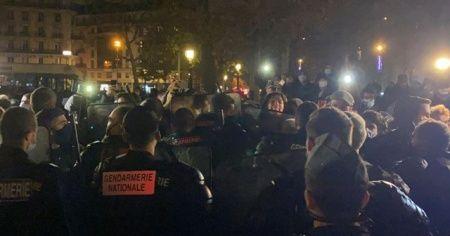 Paris'te polis, sığınmacıları sokak sokak kovaladı