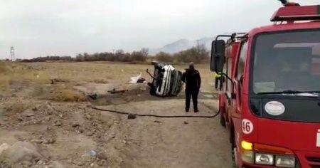 Şarampole yuvarlanan otomobil sürücüsü yaralandı