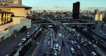 4 günlük kısıtlamaya saatler kala Mahmutbey Gişelerde yoğun trafik