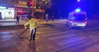 Ambulans ve motosiklet kafa kafaya çarpıştı: 2 yaralı