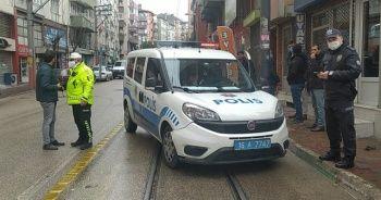Anonsa giden polis ekipleri kaza yaptı