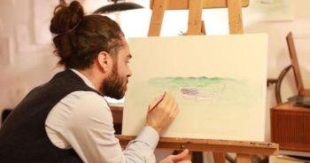 Ayhan Karadağ: Sanat yapmak için büyük bir tuvale ihtiyaç yok