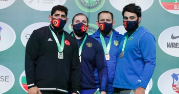 Dünya Kupası'nda millilerden grekoromen stilde 4 madalya