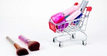 Efsane Cuma'da kozmetik ürünlere büyük talep!