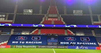 Parc des Princes'e ırkçılık karşıtı pankartlar asıldı
