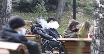 Sigara, korona virüsün yayılmasına yardımcı oluyor