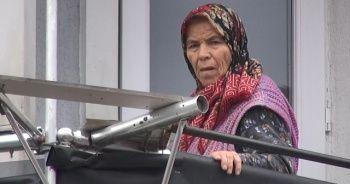 Yaşlı kadın acil yardım ekiplerini alarma geçirdi