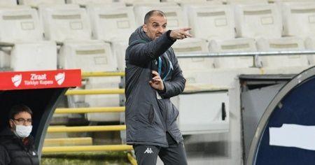 """Bursaspor Teknik Direktörü Mustafa Er: """"Birbirinize sarılın ve sahip çıkın"""""""