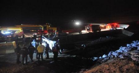 Cizre'de kömür yüklü tır şarampole devrildi: 1 ölü
