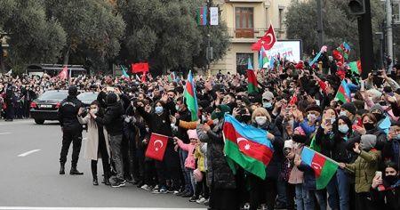Cumhurbaşkanı Erdoğan'a Azerbaycan'da sevgi gösterisi