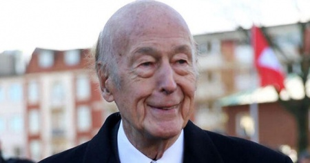 Eski Fransa Cumhurbaşkanı koronavirüs'ten hayatını kaybetti