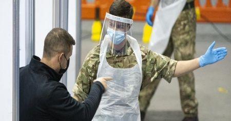 İngiltere'de Kovid-19'a bağlı can kaybı 60 bini aştı