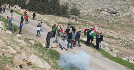 İsrail güçlerinin yaraladığı Filistinli çocuk şehit oldu