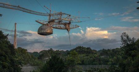 Porto Riko'daki Arecibo Gözlemevi çöktü