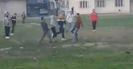 Sokağa çıkma kısıtlamasında çift kale maç yaptılar