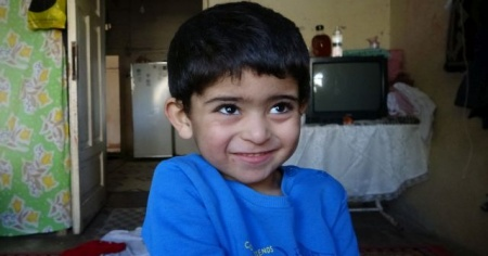 Suriyeli ailenin gözyaşlarını hayırseverler sildi