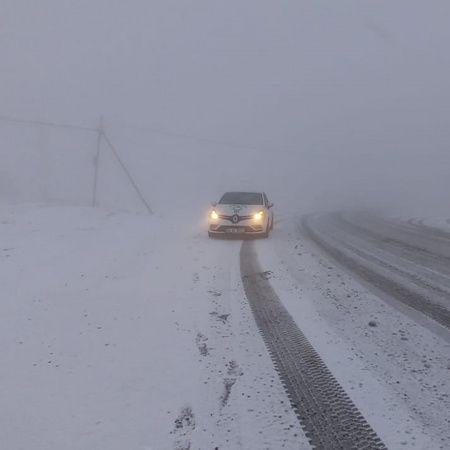 Tunceli'de kar, 56 köy yolunu ulaşıma kapattı
