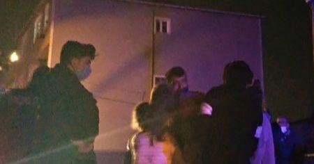 Yangının ortasında kalan çocuklar babalarını görünce gözyaşlarına boğuldu