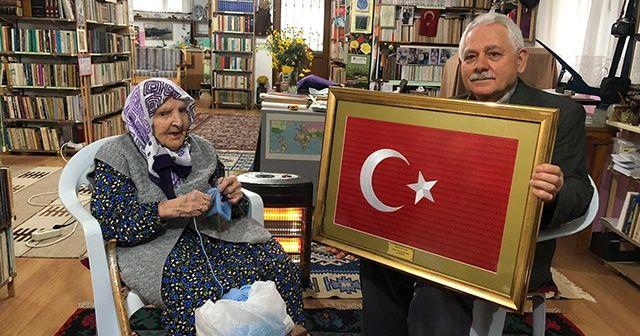 118 yaşındaki Zeliha nineden Mehmetçik'e hediye