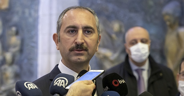 Bakan Gül: Anayasa Mahkemesinin kararları bağlayıcıdır