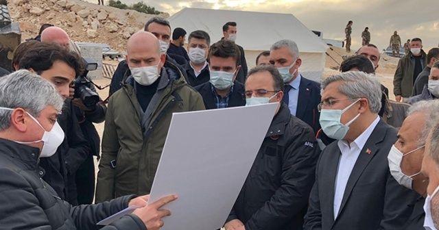Bakan Soylu İdlib'de yapımı süren briket evleri inceledi