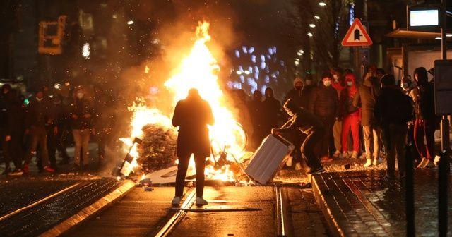 Brüksel'de polis şiddetine tepki