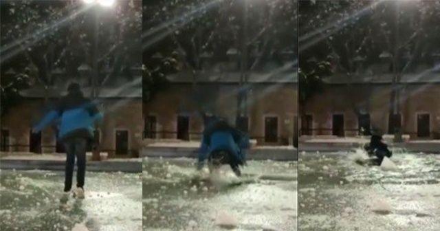 Donmuş süs havuzu üzerinde 'yürürüm' iddiası hüsranla bitti