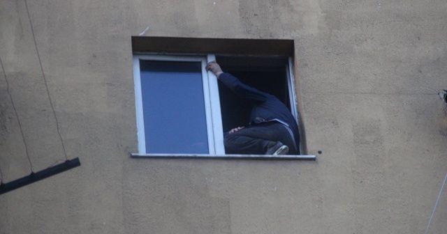 Hastane penceresinde intihar girişimi