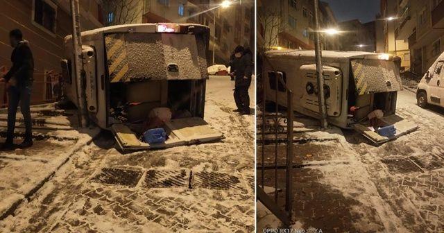İstanbul'da feci kaza! Servis minibüsü takla atıp devrildi