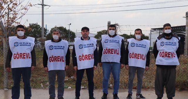 Pandemi yasağına rağmen işçileri kapının önüne koydu