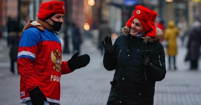 Rusya'da aşı olanlara maske takma zorunluluğu kaldırılıyor