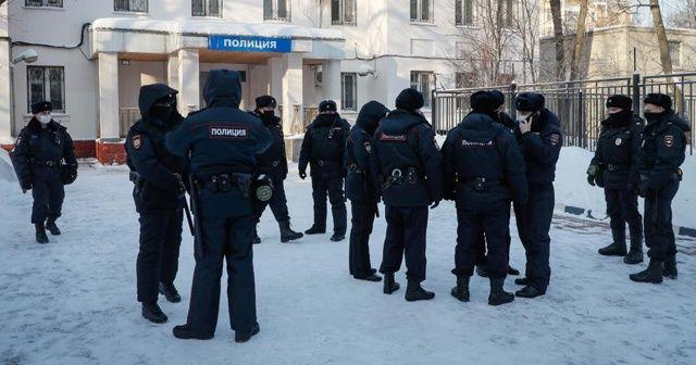 Savcılık, Navalny'nin gözaltında kalmasını emretti