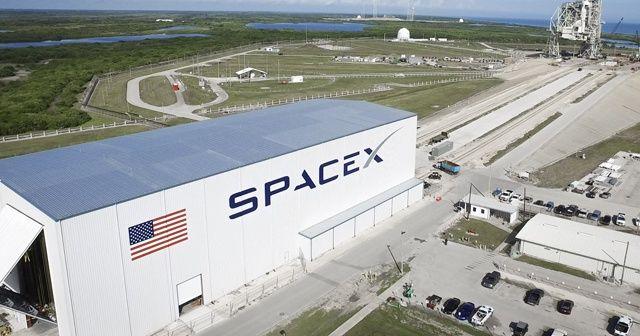 SpaceX, uzaya tek seferde 143 uydu gönderdi