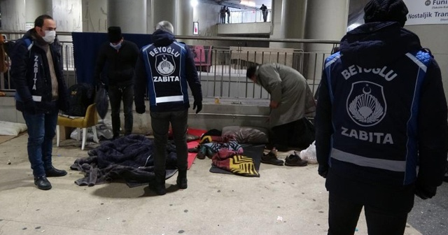Taksim'de sokakta kalan evsizler otele yerleştirildi