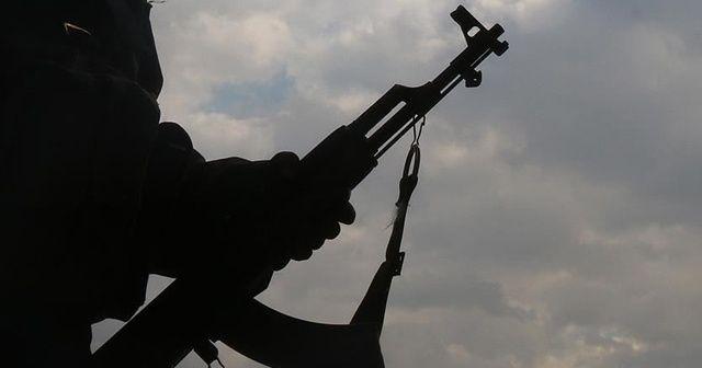 Teröristler zorla silah altına alınmaktan kaçan gençlere ateş açtı