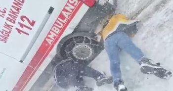 Ambulans fırtınada yolda kaldı