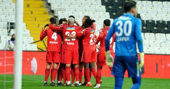 Beşiktaş tek golle turladı