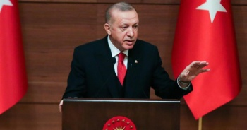 Erdoğan: Ne Türkçeye ne de İngilizceye uyan tuhaf bir dil ortaya çıkmıştır