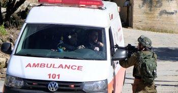 İsrail askerleri Batı Şeria'da yine sağlık görevlilerini hedef aldı