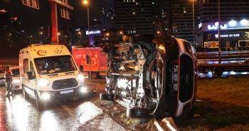 İstanbul'da ambulans yan yattı: 2 yaralı