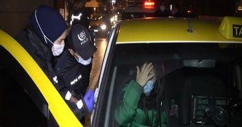 Takside alkol alırken yakalandı, inmemek için direndi