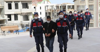 Ucuz altın dolandırıcılığı iddiasıyla baba ve iki oğlu tutuklandı